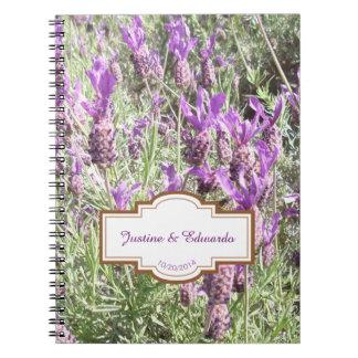 Caderno A lavanda francesa floresce o livro de nota dos