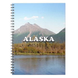 Caderno Alaska: montanhas, floresta e rio, EUA