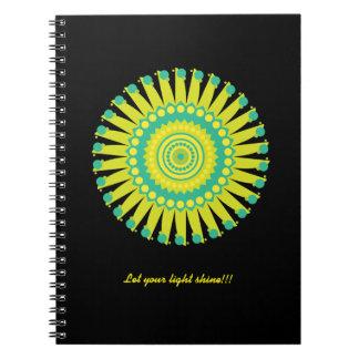 Caderno amarelo e azul da mandala