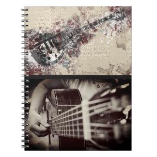 Caderno artística do guitarrista fêmea