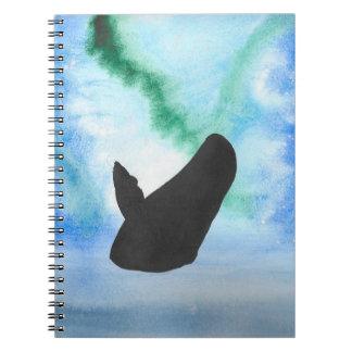 Caderno Baleia com aurora boreal