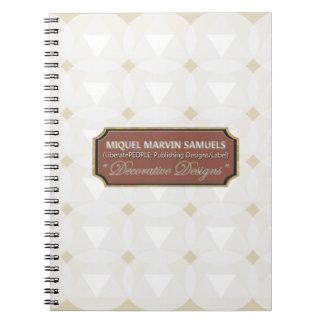 Caderno branco decorativo do círculo do triângulo