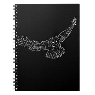 Caderno branco do esboço da coruja