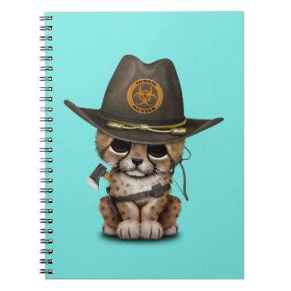 Caderno Caçador bonito do zombi de Cub da chita