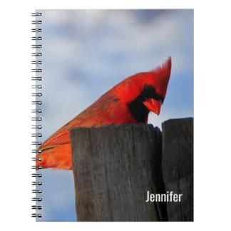 Caderno Cardeal vermelho no coto de madeira personalizado