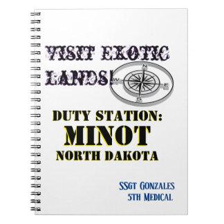 Caderno Cidade Minot da excursão dos E.U. com nome