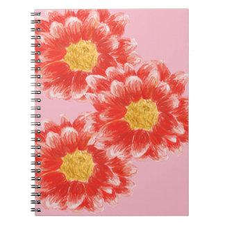 Caderno cor-de-rosa da foto da flor do crisântemo