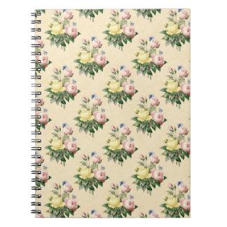 Caderno cor-de-rosa do teste padrão de flor do
