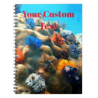 Caderno Coral colorido da árvore de Natal