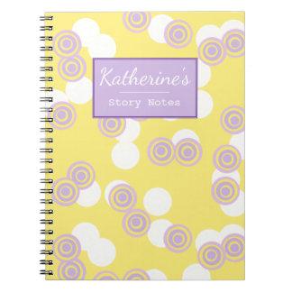 Caderno customizável do amarelo concêntrico dos