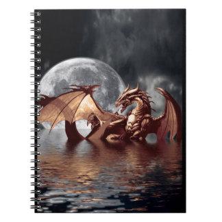 Caderno da arte da fantasia do dragão & da lua