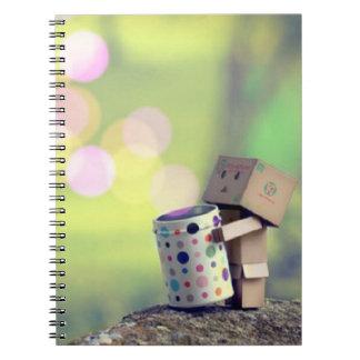 Caderno da foto do homem do papel de Brown