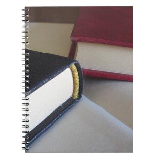 Caderno Espiral A segunda mão registra com páginas vazias em uma