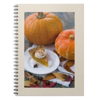 Caderno Espiral Abóboras e torta