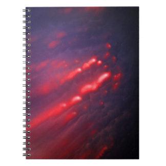 Caderno Espiral Abstracção vermelha e roxa da nuvem
