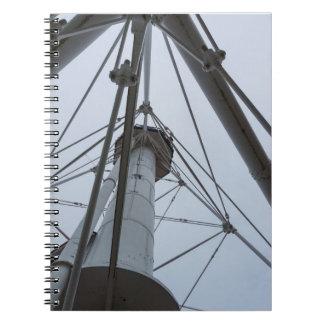 Caderno Espiral Acima do ponto do peixe branco