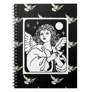Caderno Espiral Anjo em preto e branco com pombas