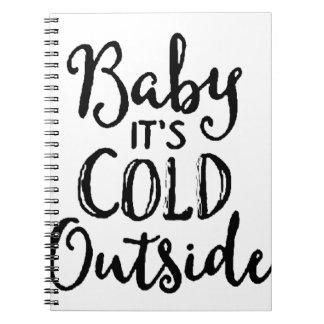 Caderno Espiral Bebê é parte externa fria