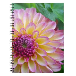 Caderno Espiral Beleza da dália