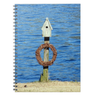 Caderno Espiral Birdhouse com grinalda