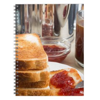 Caderno Espiral Brinde fritado com doce de morango