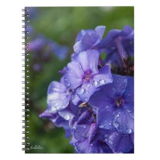 Caderno Espiral Caderneta flor violeta com orvalhar da manhã