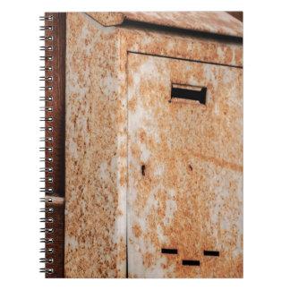 Caderno Espiral Caixa postal oxidada fora