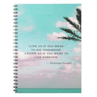 Caderno Espiral Citações de Gandhi vivas como se você era… tema