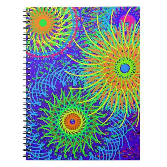 caderno espiral com capa colorida em espiral