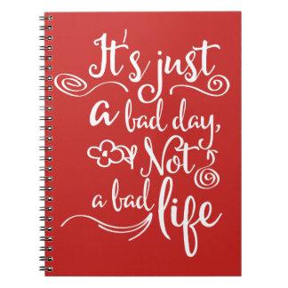 Caderno Espiral Confiança vermelha, citações da vida da atitude da