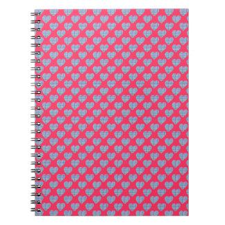 Caderno Espiral Corações azuis no rosa brilhante