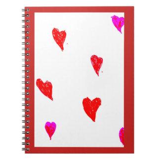 Caderno Espiral Corações vermelhos