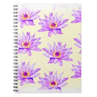 Caderno Espiral creme das flores de lótus manchado de tinta
