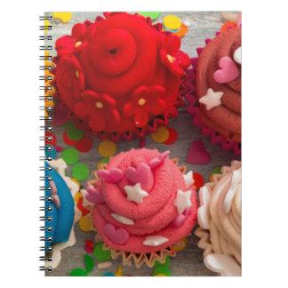 Caderno Espiral cupcakes coloridos