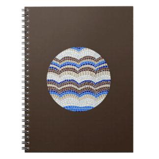 Caderno espiral do mosaico azul redondo