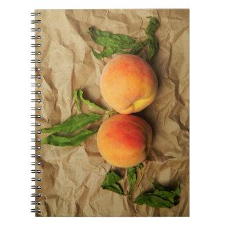 Caderno Espiral Dois pêssegos