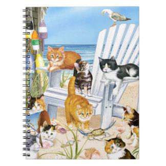 Caderno espiral dos gatinhos do vagabundo da praia