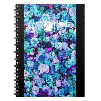 Caderno espiral dos rosas florais azuis