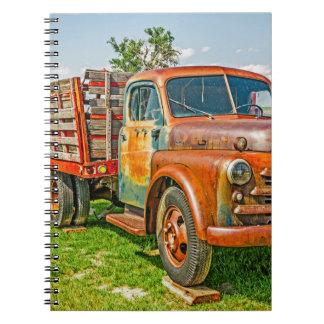 Caderno Espiral Dupla - caminhão - oxidado velho