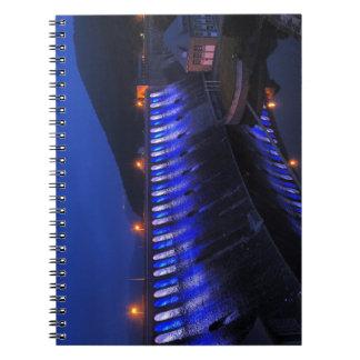 Caderno Espiral Edersee Staumauer iluminado ao cair da tarde