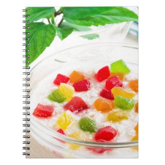 Caderno Espiral Fim-acima saudável da farinha de aveia com fruta