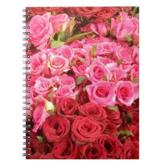 Caderno Espiral Flores nas Filipinas, no rosa e nas rosas