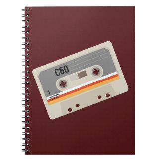 Caderno Espiral Gráfico corajoso da gaveta do melómano nostálgico