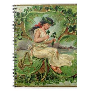 Caderno Espiral Ilustração do vintage da menina pequena doce do