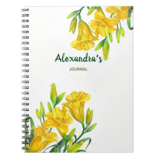 Caderno Espiral Ilustração floral amarela dos lírios de dia da
