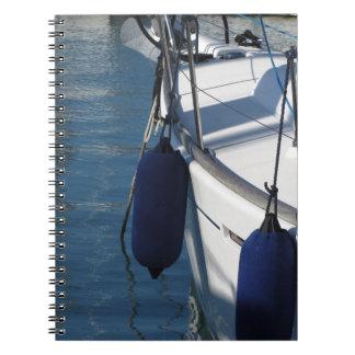 Caderno Espiral Lado esquerdo do barco de navigação com os dois
