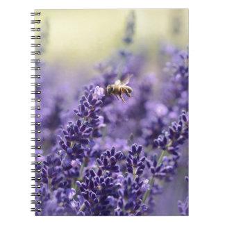 Caderno Espiral Lavanda e abelhas