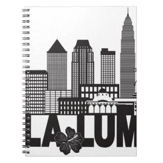 Caderno Espiral Mal preto e branco do texto da skyline da cidade