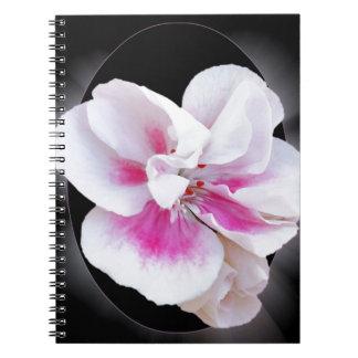 Caderno Espiral Máscaras cor-de-rosa
