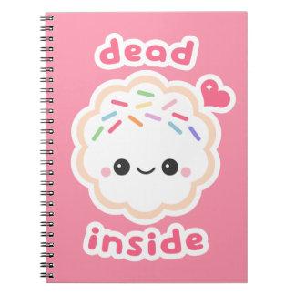 Caderno Espiral Morto de Kawaii dentro do biscoito